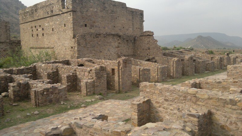 Ruins-of-Bhangarh-Fort